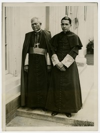 Press release photo of Archbishop Aglipay and Bishop of Manila Irabelo de los Reyes, Jr. visiting President Hoover [Photograph, Black and White] [Digital Only]