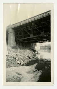 Painting Russell Street bridge, Baltimore, Maryland, January 14, 1936