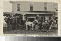 Stagecoach in front of the Menauhant Hotel, Menauhant, Massachusetts, 1901-1909